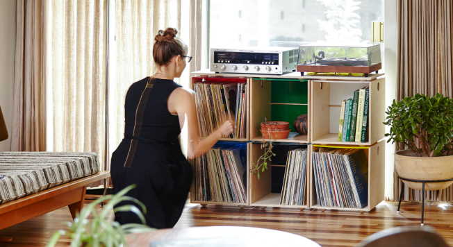 Tips to store vinyl records safely3